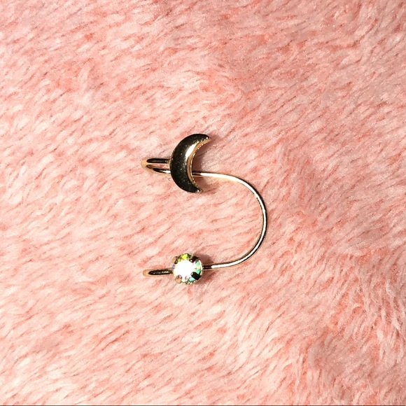 Forever 21 Jewelry - Forever 21 Faux Ear Cuff